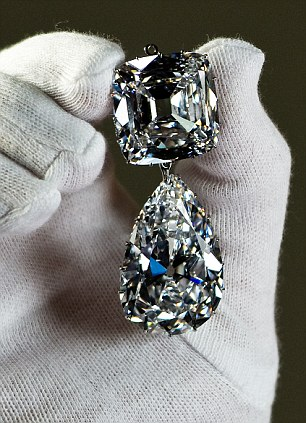 World's Largest Diamond Jewellery Is Prepared For Jubilee Exhibition